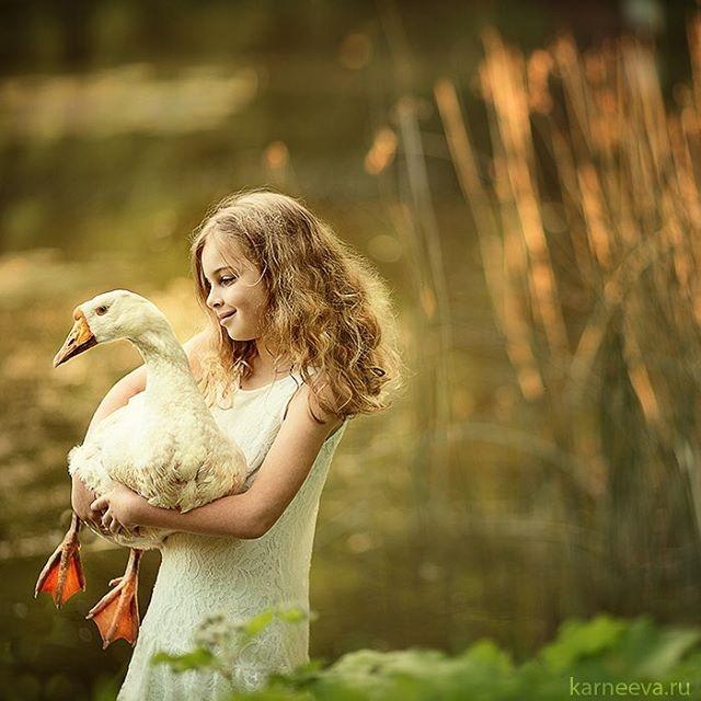19-duck-kid-photography-by-elena-karneeva