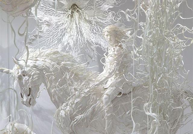 estatua-fantasma-odani-motohiko-unicornio-muerto-undead-unicorn-totenart-material-bellas-artes1